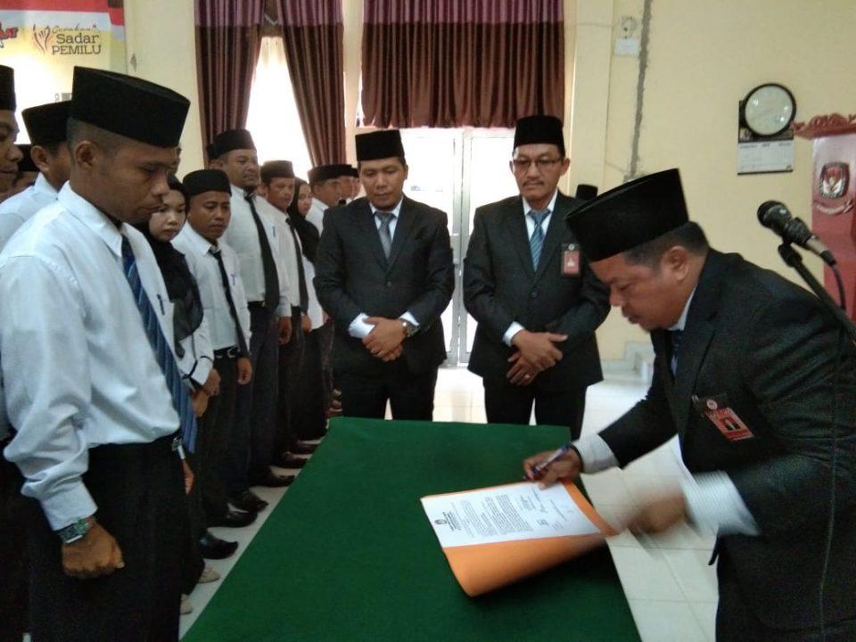 KPU Kampar Kampar lantik 42 Anggota PPK Pemilu Tahun 2019