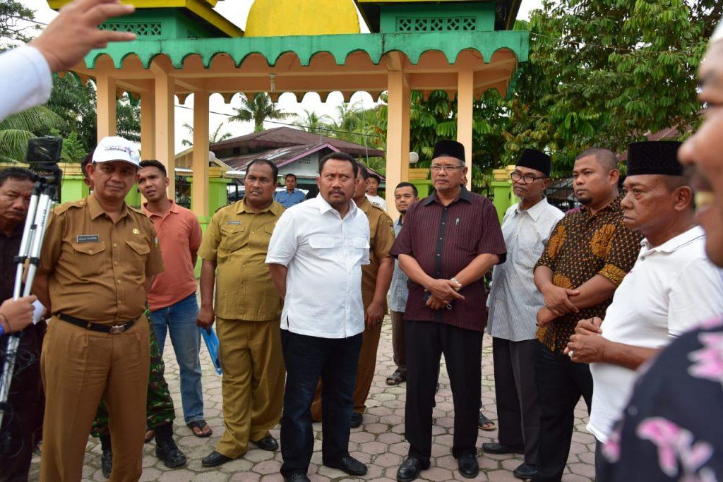Plt.Bupati Meninjau Lahan Pembangunan Istana Kesultanan Kampa Sekaligus Meninjau Lahan Untuk Pasar