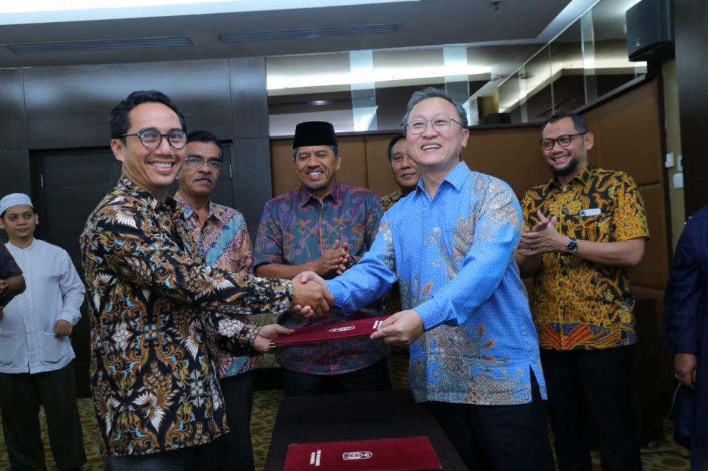 Alfedri Saksikan MoU antara PT Samudra Siak Dengan Investor Negri Jiran Malaysia