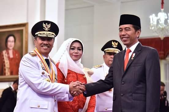 Syamsuar Resmi Dilantik Sebagai Gubernur Riau, Bupati Kampar Ucapkan Selamat