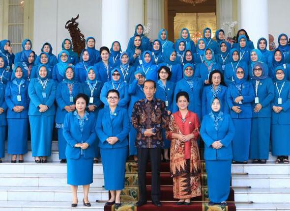 Ketua TP-PKK Kampar Muslimawati Catur Silaturahmi Dengan Ibu Negara di Istana Bogor
