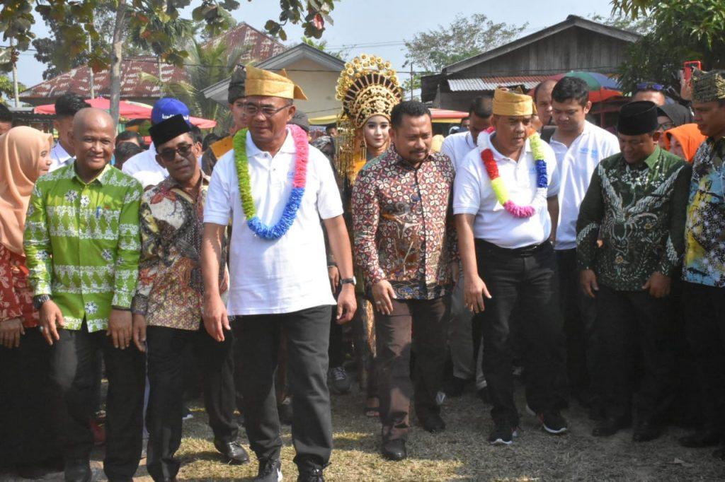 Bupati Kampar Catur Sugeng Susanto Sambut Menteri Pendidikan dan Kebudayaan RI