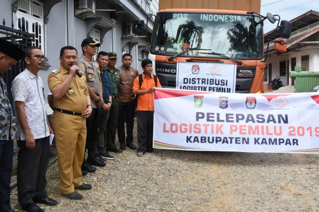 Bupati Kampar Resmi Lepas Logistik Pemilu 2019