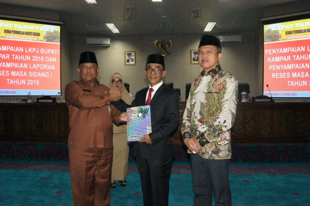 Rapat Paripurna DPRD Kabupaten Kampar,Bupati Kampar Sampaikan LKPJ Tahun 2018