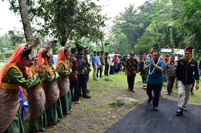 Wagubri Berbagi Pengalaman Dengan Mahasiswa Riau di Yogyakarta