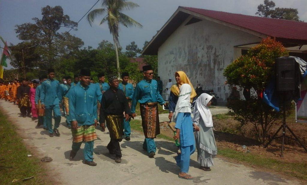 23 Desa Kecamatan Bantan Mengikuti Pawai Ta'aruf Dalam Rangka MTQ Tingkat Kecamatan