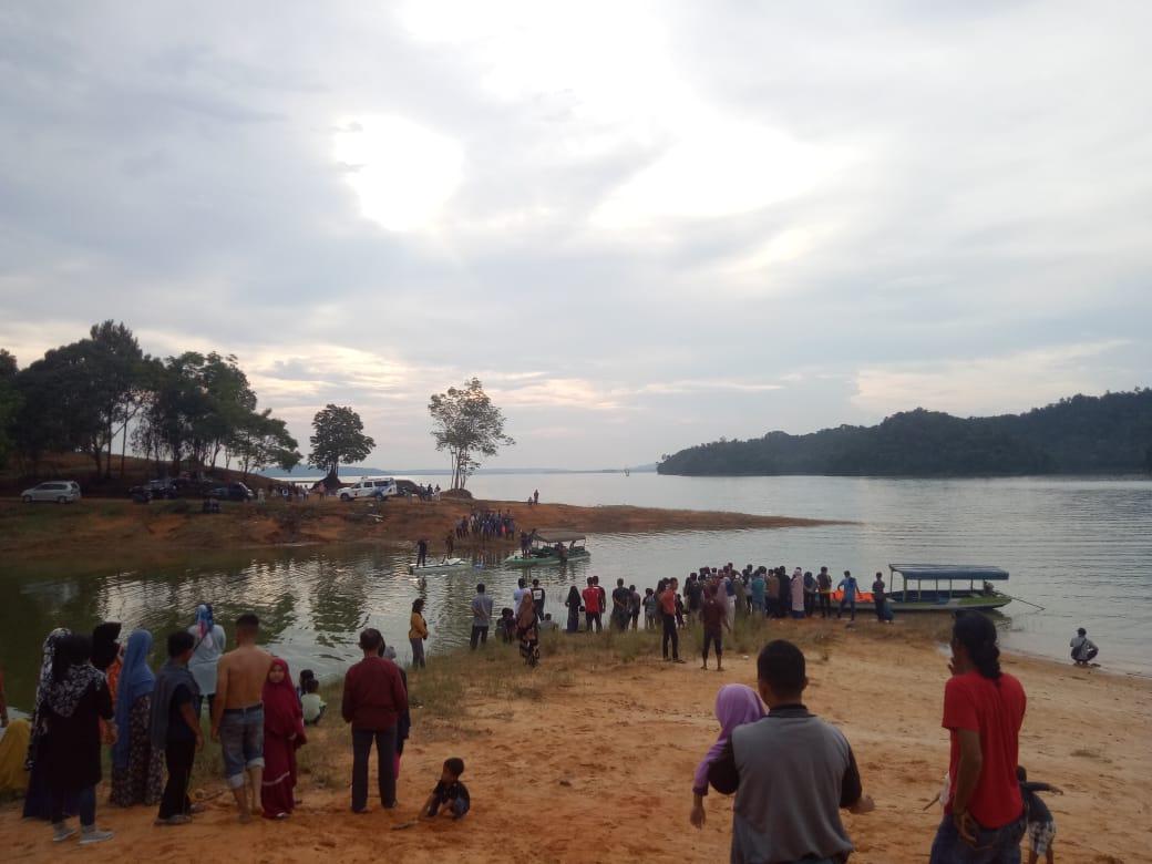 Selamatkan Adiknya Saat Terjatuh ke dalam Danau, Korban Akhirnya Tenggelam di Danau Rusa