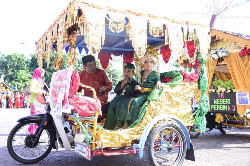 Semarak Karnaval  Budaya Pesona Negeri Junjungan