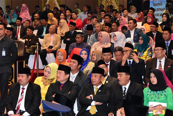 Bupati Bengkalis Hadiri Pengucapan Sumpah Anggota DPRD Provinsi Riau Periode 2019-2024