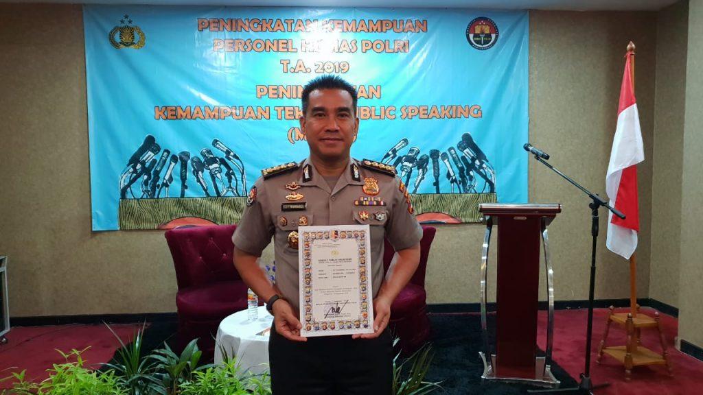 Kabid Humas Polda Banten Ikuti Pelatihan Public Speaking