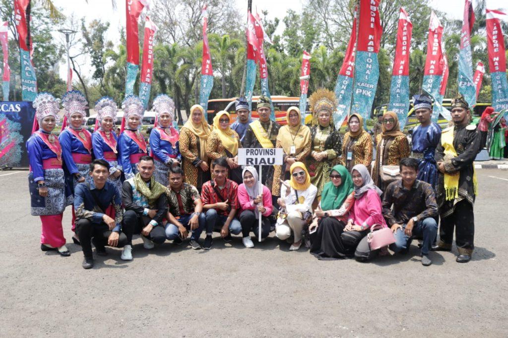 Wakili Riau di Jambore Nasional, Defille PKK Siak Pukau Jakarta
