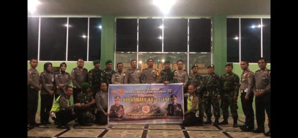 Jelang HUT TNI ke-74, Polantas Polres Kampar Beri Surprise Untuk Anggota Kodim 0313/ KPR