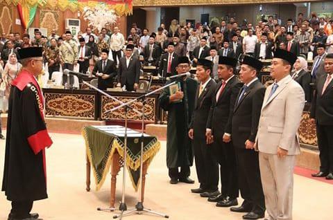 Resmi, Ketua DPD PDI Perjuangan H. Zukri Dilantik Sebagai Wakil Ketua Pimpinan DPRD Riau