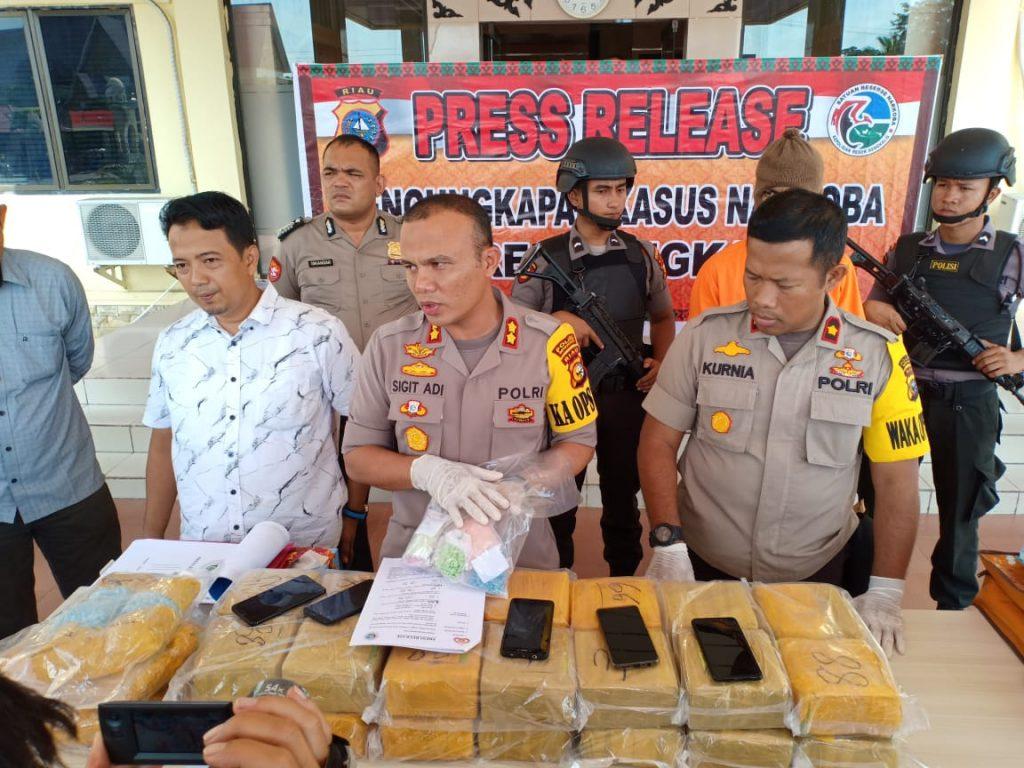Kapolres Mengadakan Press Release Di Mapolres Bengkalis Penangkapan Narkotika Jenis Sabu dan Ekstasi