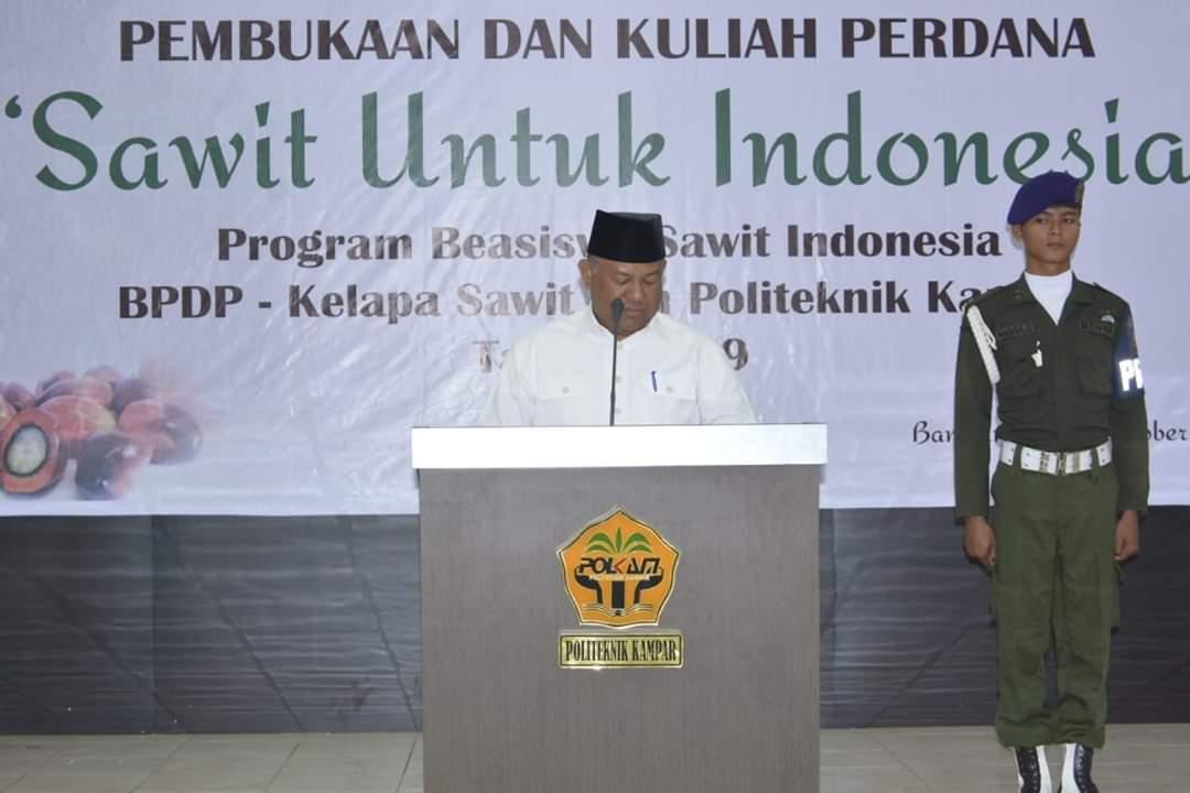 Sekda Beri Kuliah Perdana Program Beasiswa Sawit Indonesia di Polkam