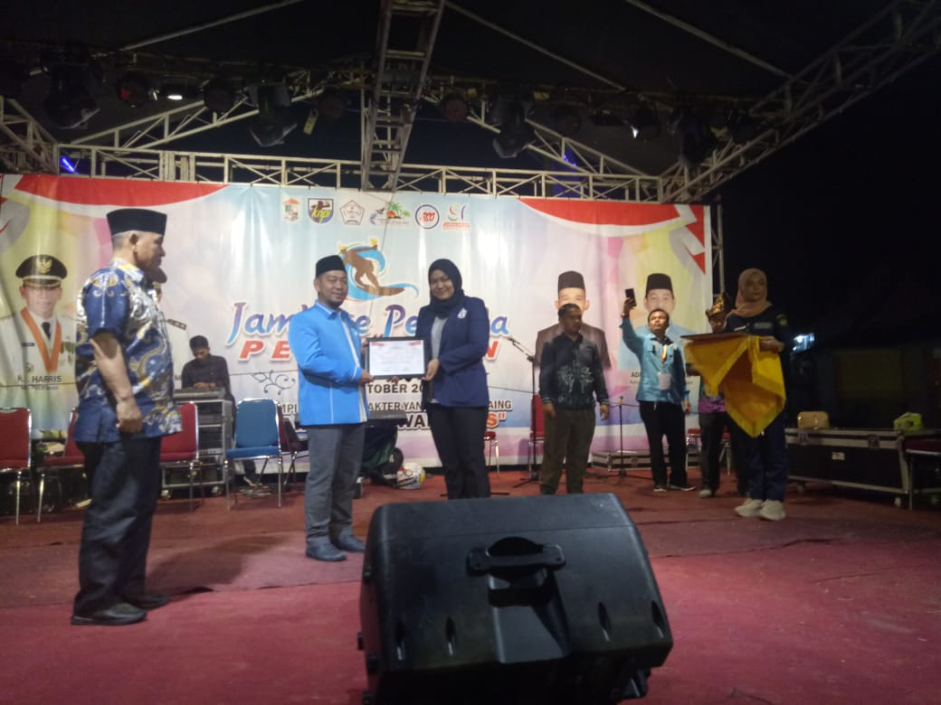 Ketua KNPI Pelalawan Terima Penghargaan Dari PPMI Riau
