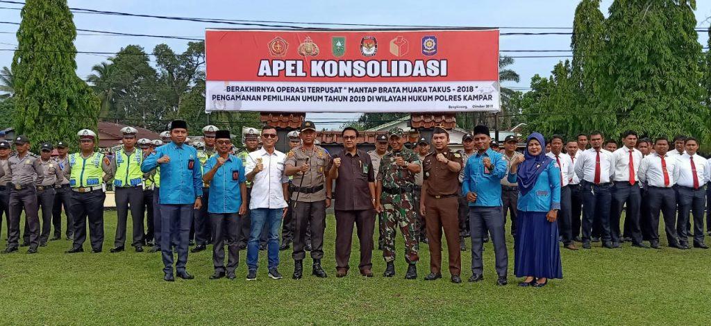 Kapolres Kampar Bersama Dandim Pimpin Apel Konsolidasi Operasi Mantap Brata Muara Takus 2018