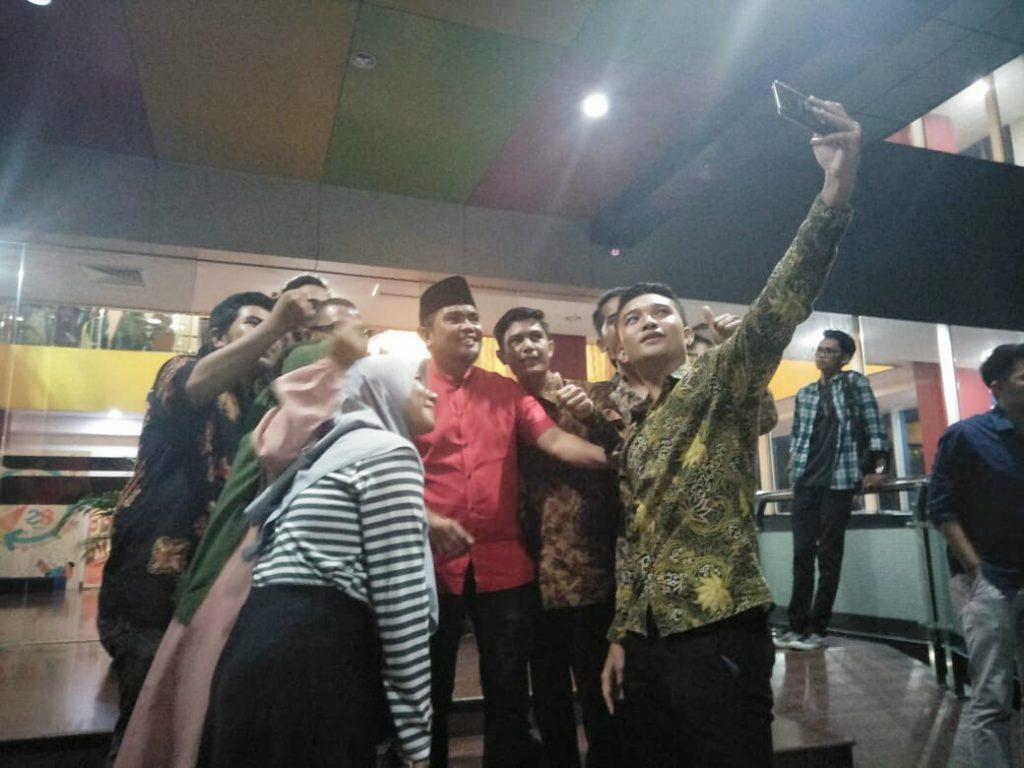 Digemari Mahasiswa, H. Zukri Magnet Kaum Millenial Pelalawan