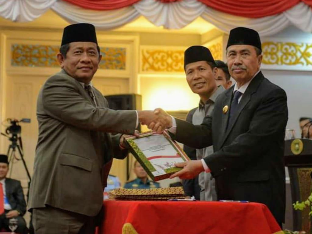 Ketua DPRD Riau Hadir Pelantikan Sekda Provinsi Riau Yan Prana Jaya M.Si