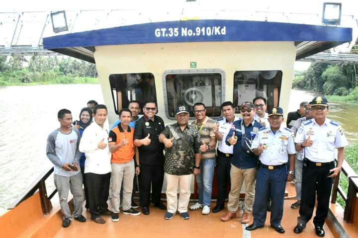 "Kapal Banawa Nusantara Tiba di Bangkinang , Sekda: ""Kita Akan Fungsikan Kapal Untuk Sarana Wisata Masyarakat"""