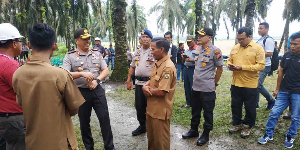 Kapolda Riau Adakan Konferensi Pers Tindak Pidana Pencurian di Kawasan Perkebunan Sawit