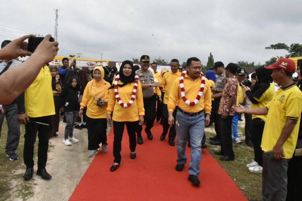 Puncak BB-GRM Pusatkan di Karya Indah, Bupati Kampar Serahkan Berbagai Bantuan Sosial