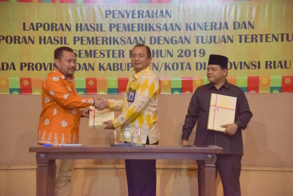 Bupati Terima LHP Dari BPK Perwakilan Riau