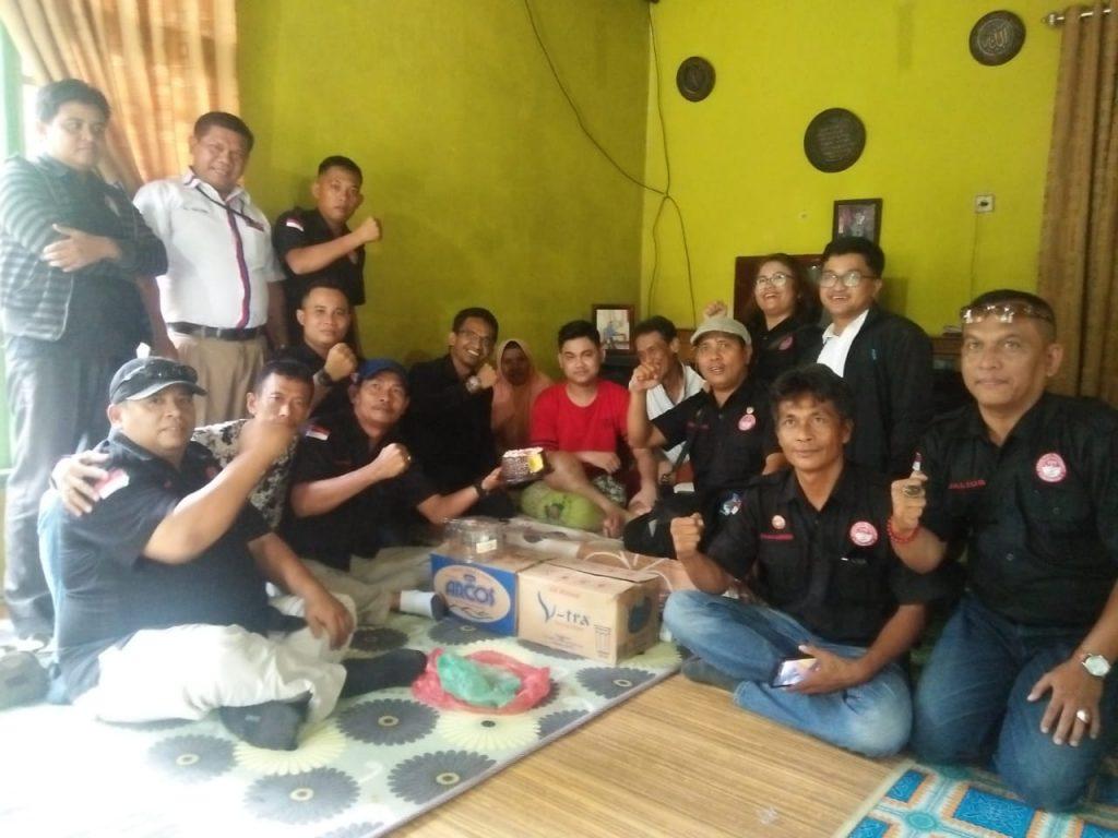 Memperigati Hari Jadi ke Tiga dan Peduli Kasih, Ini yang Dilakukan FPII Setwil Riau dan Korwil Kampar