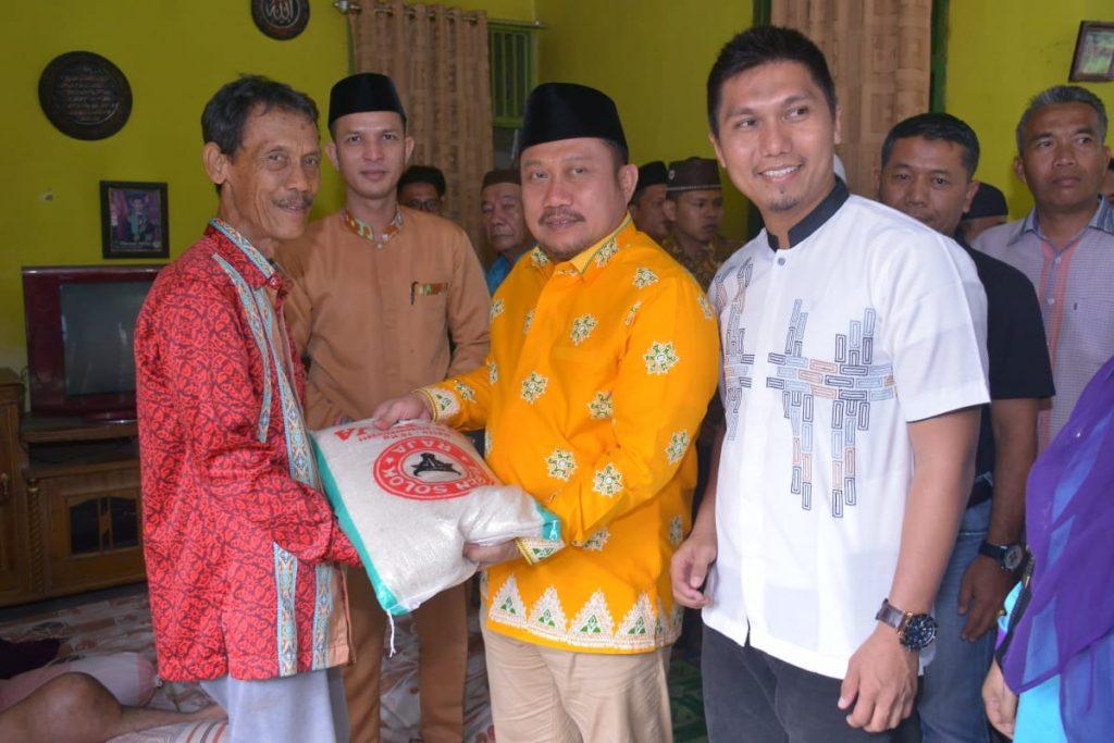 Besuk Marwan, Pengidap Tumor Tulang, Bupati Beri Motivasi Agar Siap Jalani Pengobatan di RSCM Jakarta