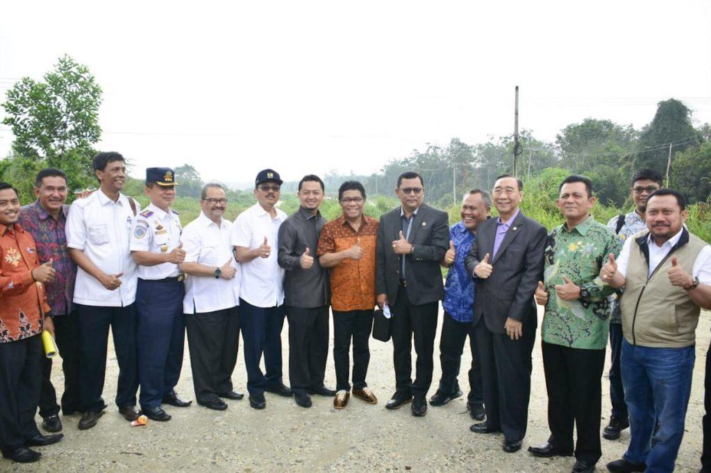 Bupati Kampar Dampingi Komisi V DPR RI Tinjau Pembangunan Jalan Tol Pekanbaru – Bangkinang