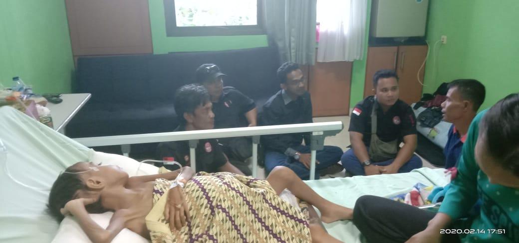 Jenguk Pasien Bocah Pengidap Tumor Ganas, FPII Riau Tunjukan Kepedulian Sesama