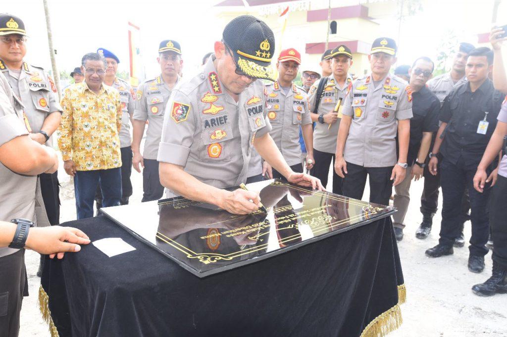 Bupati Kampar Dampingi Kalemdiklat Polri Dalam Peninjauan Pembangunan dan Penanaman 1000 Pohon di SPN Polda Riau