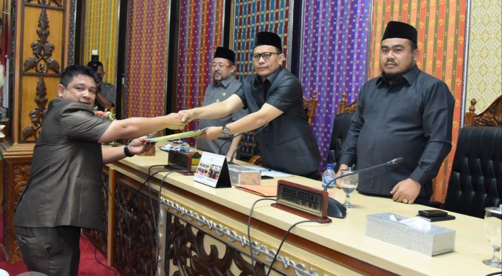Fraksi-Fraksi DPRD Menyampaikan Pandangan Umumnya Terhadap 2 Ranperda