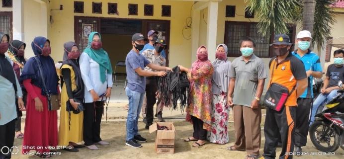 Pemerintah Desa Dusun Tua dan Relawan : Bersama Lawan Pademi Covid – 19
