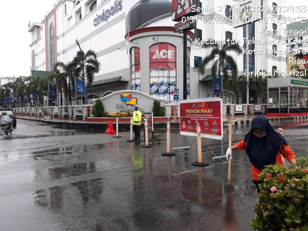 Jalan Sudirman dan HR Subrantas Ditutup Hingga Pukul 14.00
