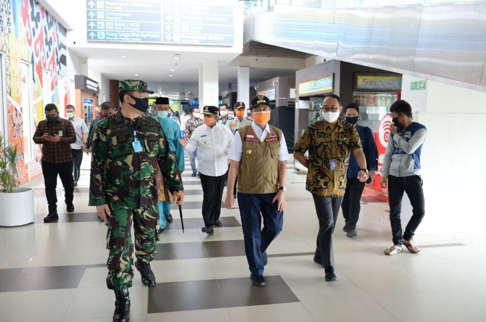 PSBB, Pemprov Riau Hentikan Sementara Angkutan Keluar-Masuk Pekanbaru