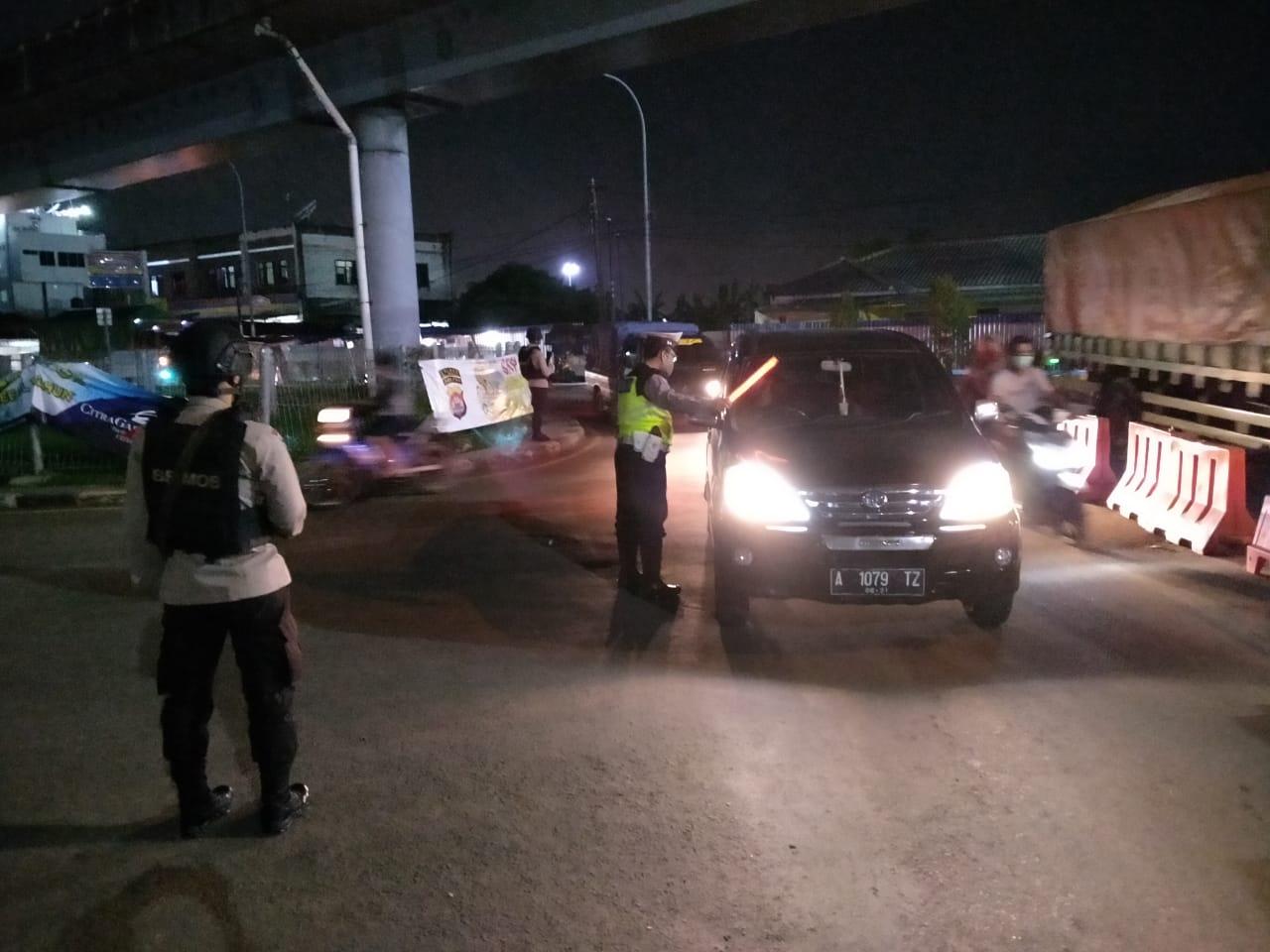 Cegah Pemudik, Polres Cilegon Perketat Pintu Keluar Tol Merak dan Pintu Masuk ASDP Merak