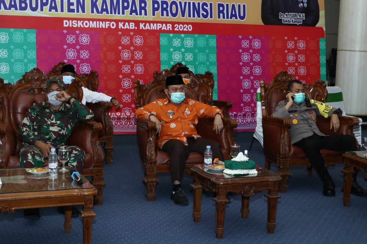 Bupati Kampar Dan Walikota Teleconference Bersama Gubernur Riau