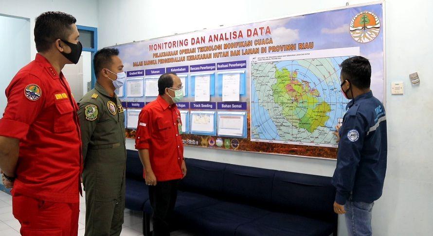 KLHK Lakukan Rekayasa Hujan di Riau