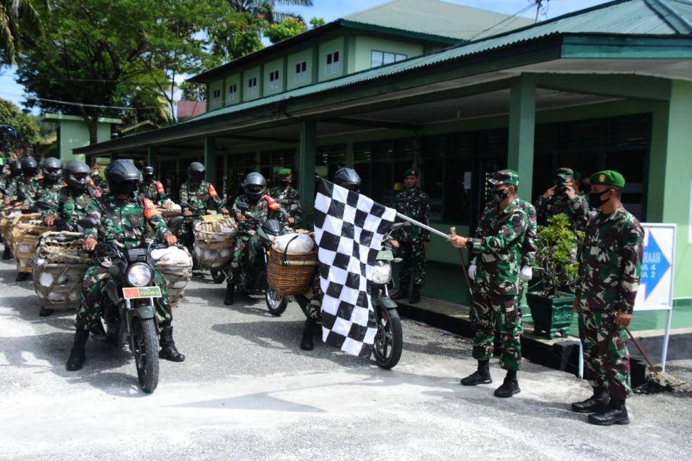 Ringankan Beban,Danrem 031/WB Bantu Masyarakat Riau Terdampak Covid-19