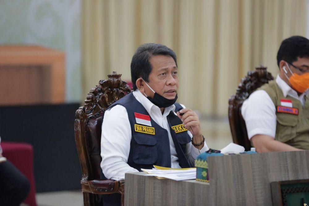 Sekdaprov Riau Lakukan Vidcon Terkait Bantuan Keuangan Pemprov Riau Untuk Covid 19