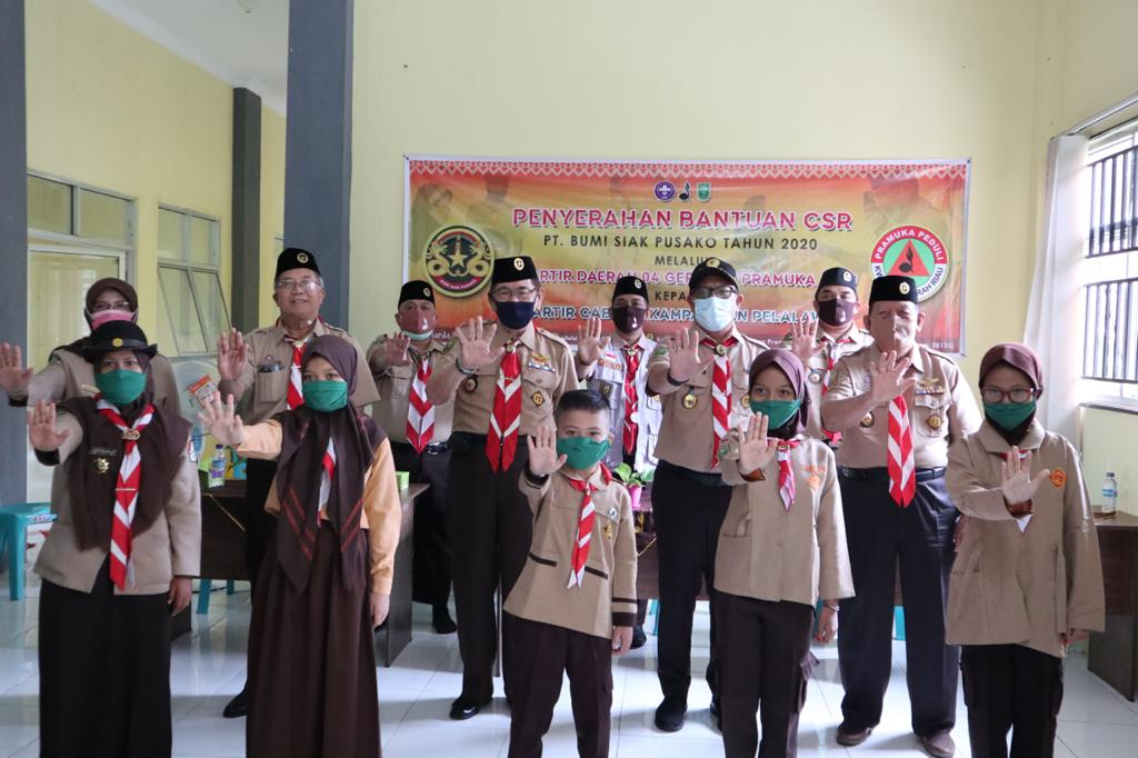 Kwarda Riau,Kwarcab Pramuka Kampar Salurkan Bantuan Covid-19 Untuk Anggota dan Masyarakat
