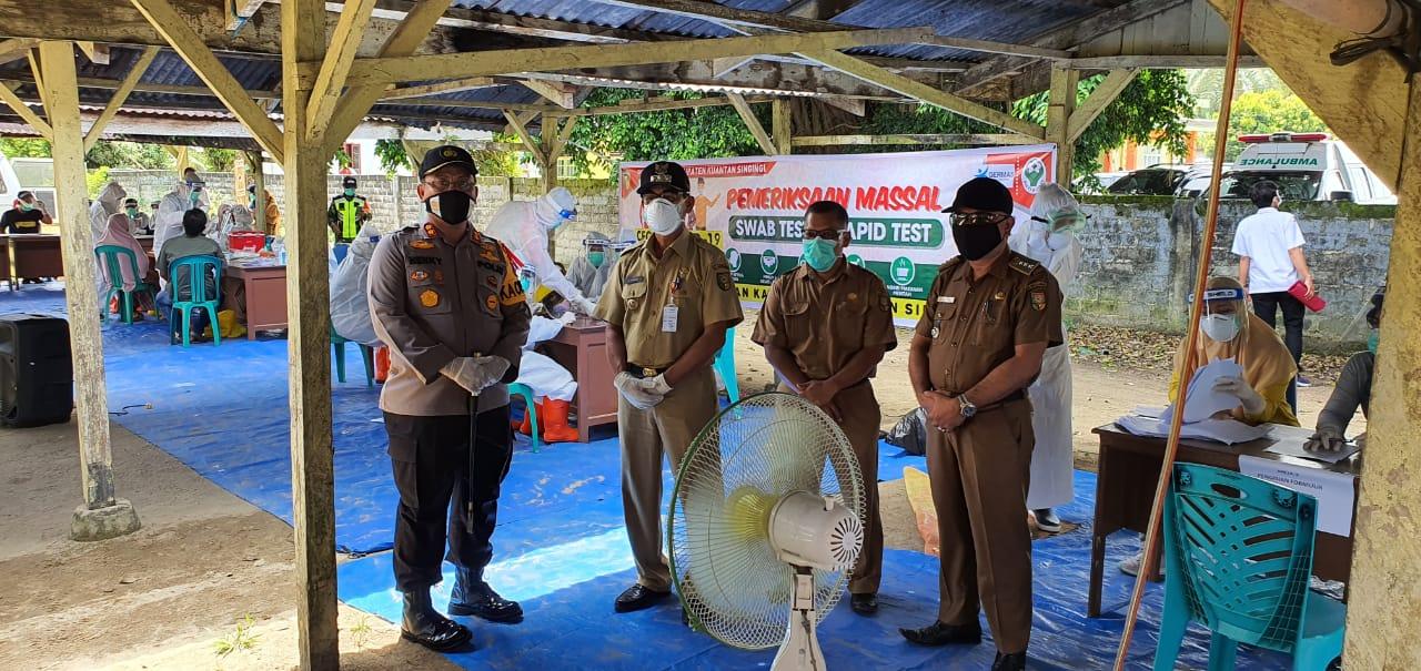 Jelang Hari Bhayangkara ke-74, Polres Kuansing bersama Pemkab Kuansing gelar SWAB test massal di Ds. Sukamaju dan Ds. Beringin Jaya
