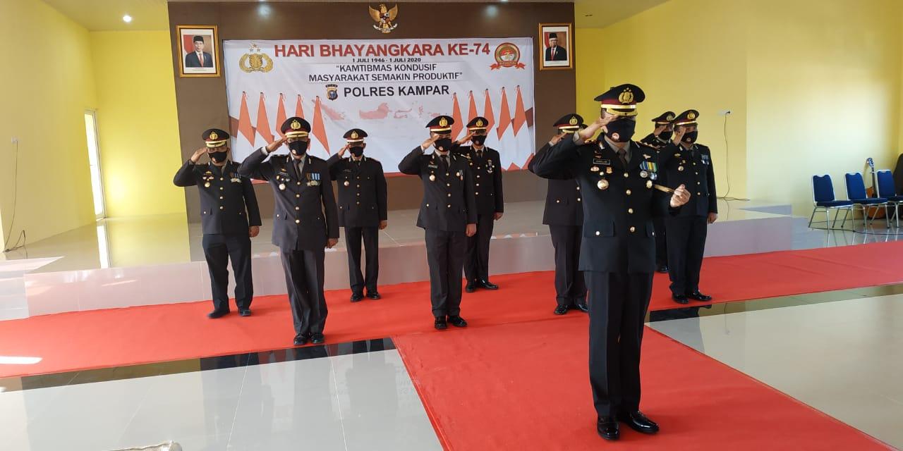 Kapolres Kampar dan Pejabat Utama Polres Ikuti Upacara Virtual Hari Bhayangkara Ke-74