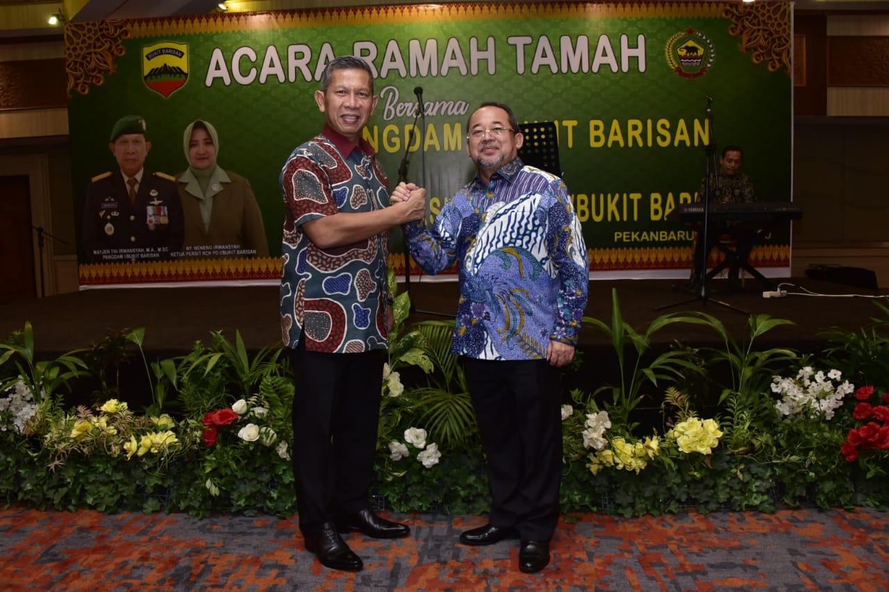 Plh.Bupati H. Bustami Hy Hadir Acara Ramah Tamah Panglima Komando Daerah Militer l di Hotel Pangeran Pekanbaru