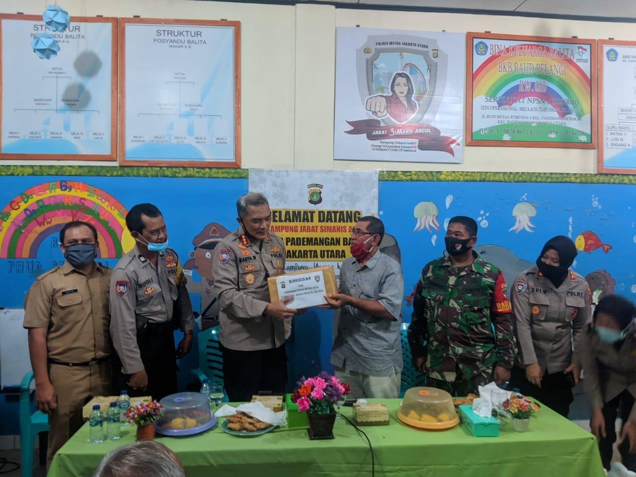 Dirbinmas Bersama Kasubdit Bin Polmas PMJ Pantau Wilayah Pademangan Jakarta Utara