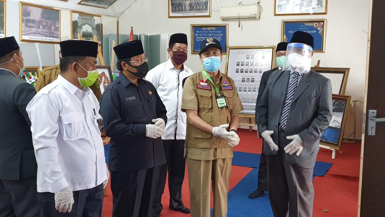 Gubernur Dan Kakanwil Kemenag Riau Di Dampingi Kakan Kemenag Kampar Saat Mengunjungi Ponpes Gontor Putri 7