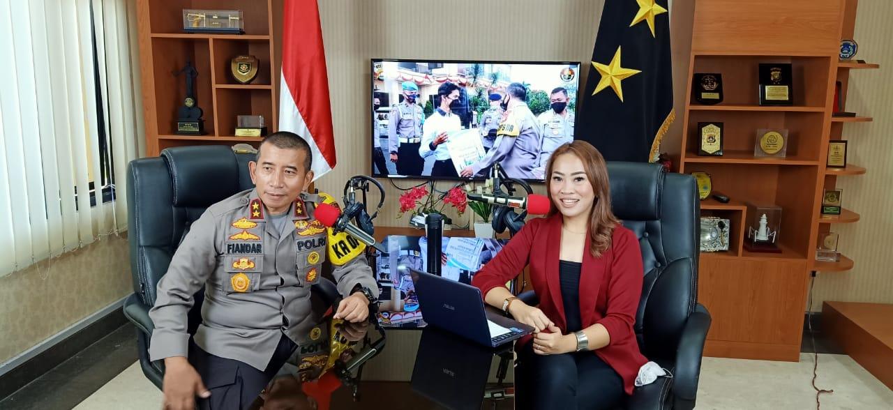 Kapolda Banten Edukasi Masyarakat Melalui Talkshow Radio Tentang Penerapan AKB