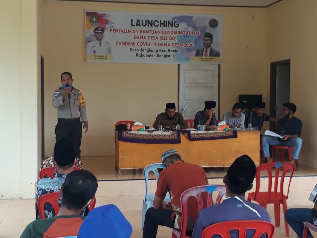 Bhabinkamtibmas Desa Jangkang-Deluk Gencarkan Sosialisasi Bahaya Narkoba