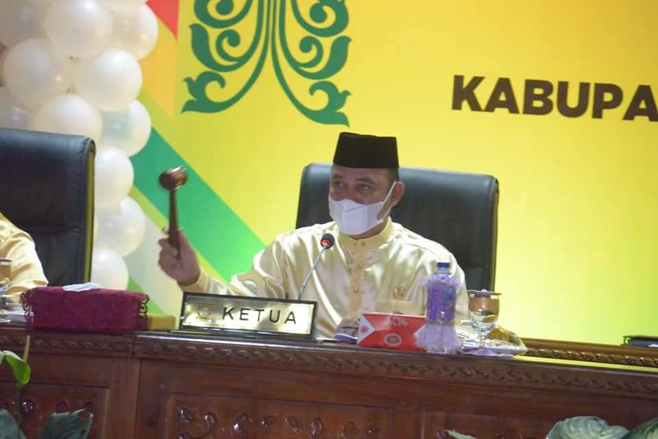 Rapat Paripurna DPRD HUT Kampar ke-71 'Basamo Mambolo Nagoghi'